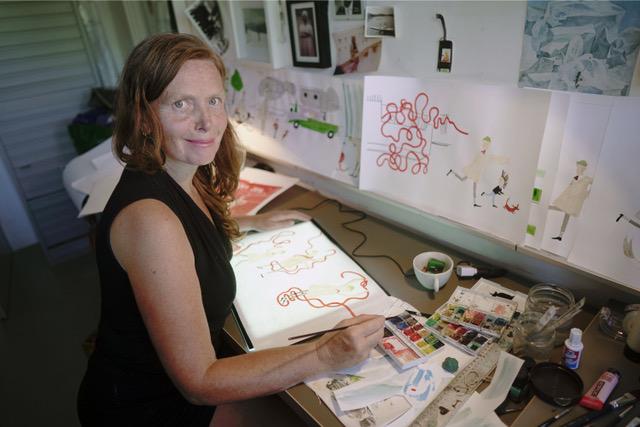 Yvonne Jagtenberg werkt aan Mijn wonderlijke oom (foto Arno Kranenborg)