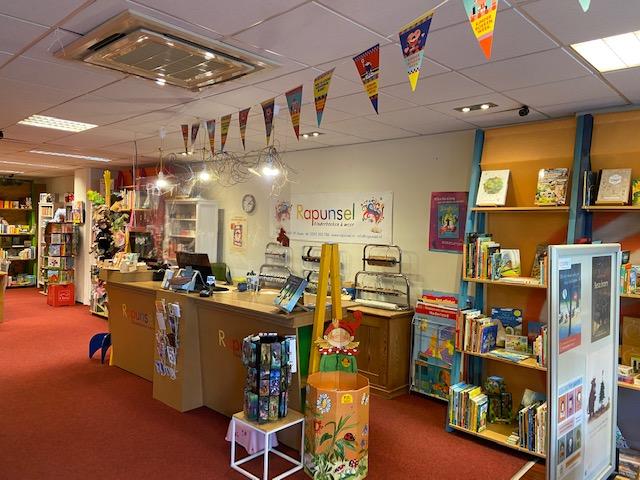 Kinderboekwinkel Rapusel binnen